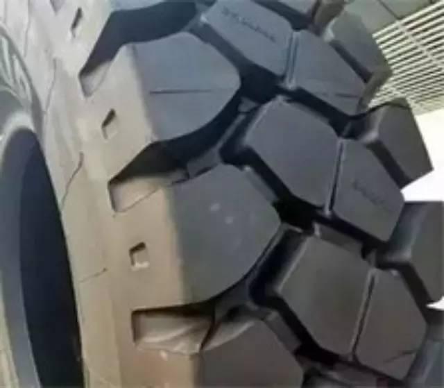 【动态】国内首款全钢工程机械RFID智能轮胎面世
